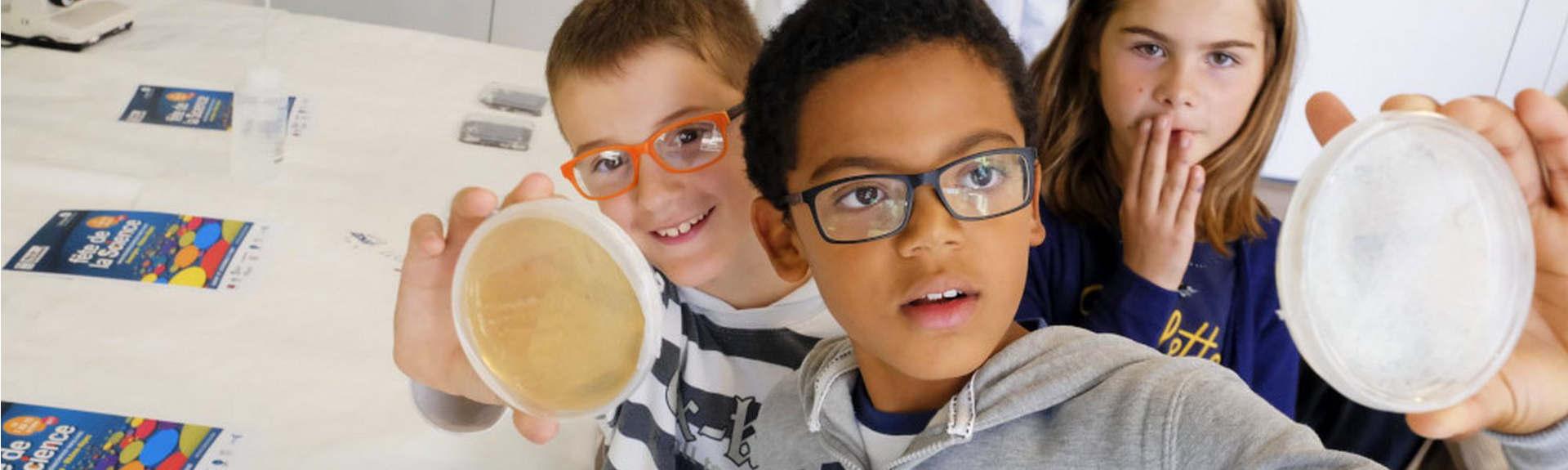 header-enfants-fete-science-petri